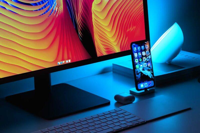 blaues licht monitor augen